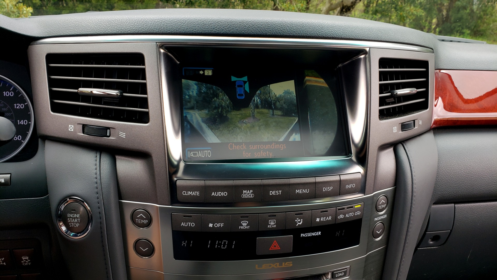 Used 2008 Lexus LX 570 4WD / TECH PKG / NAV / SUNROOF / MARK LEVINSON / PARK ASST for sale $22,995 at Formula Imports in Charlotte NC 28227 46