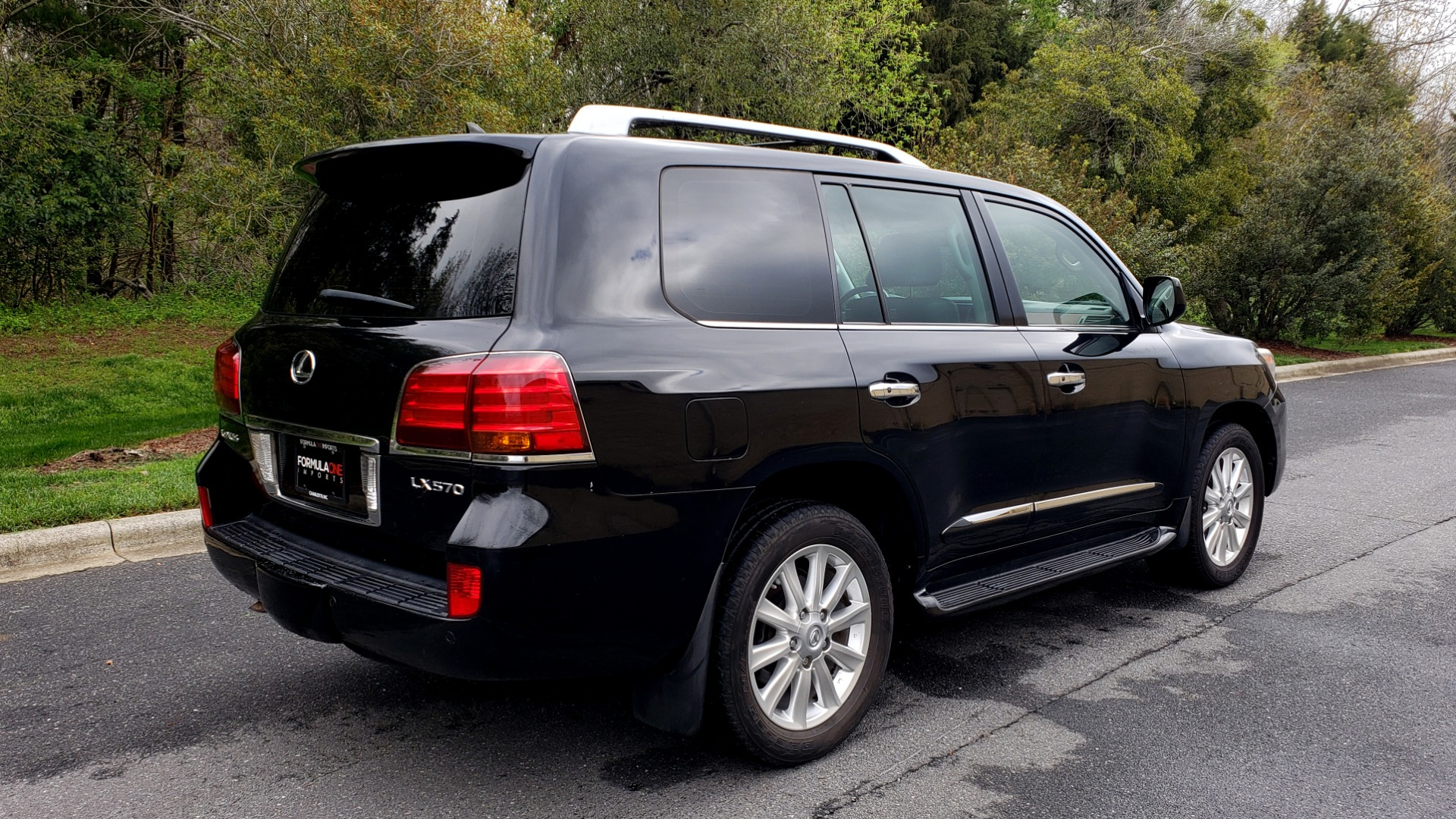 Used 2008 Lexus LX 570 4WD / TECH PKG / NAV / SUNROOF / MARK LEVINSON / PARK ASST for sale $22,995 at Formula Imports in Charlotte NC 28227 6