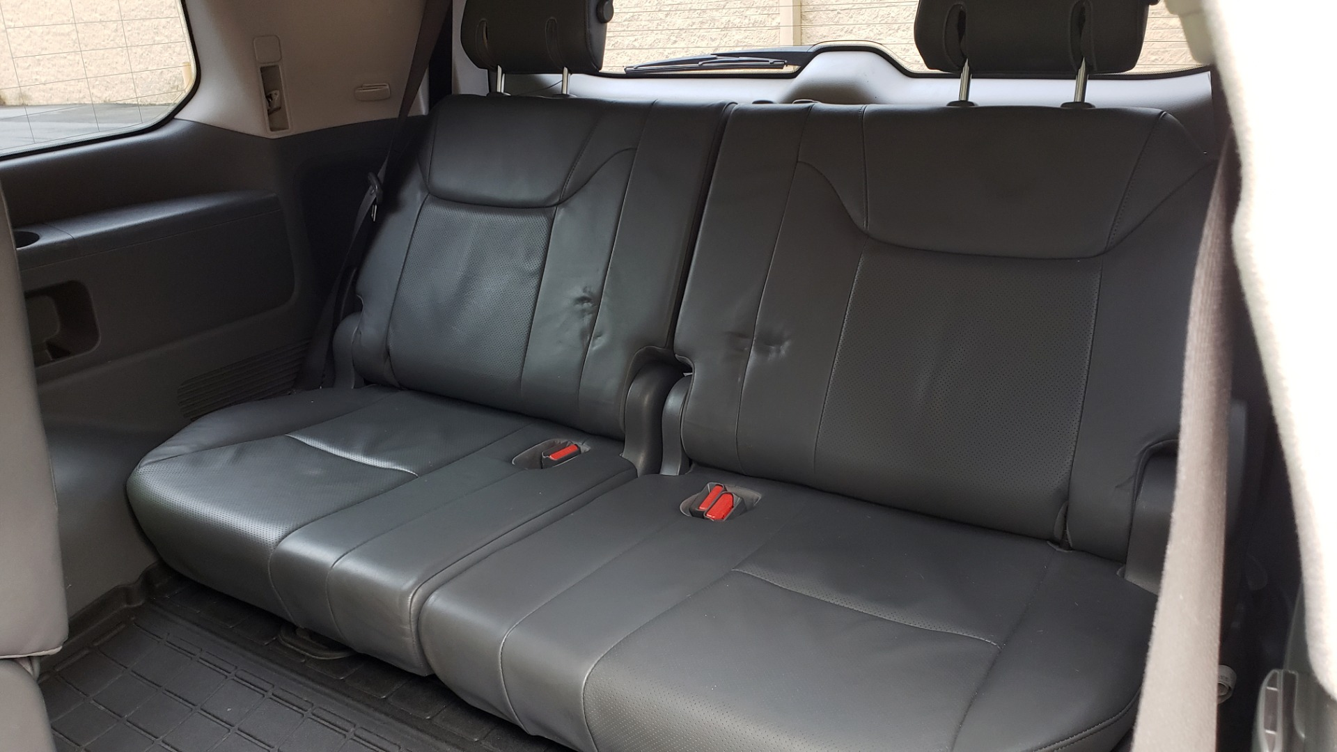 Used 2008 Lexus LX 570 4WD / TECH PKG / NAV / SUNROOF / MARK LEVINSON / PARK ASST for sale $22,995 at Formula Imports in Charlotte NC 28227 64