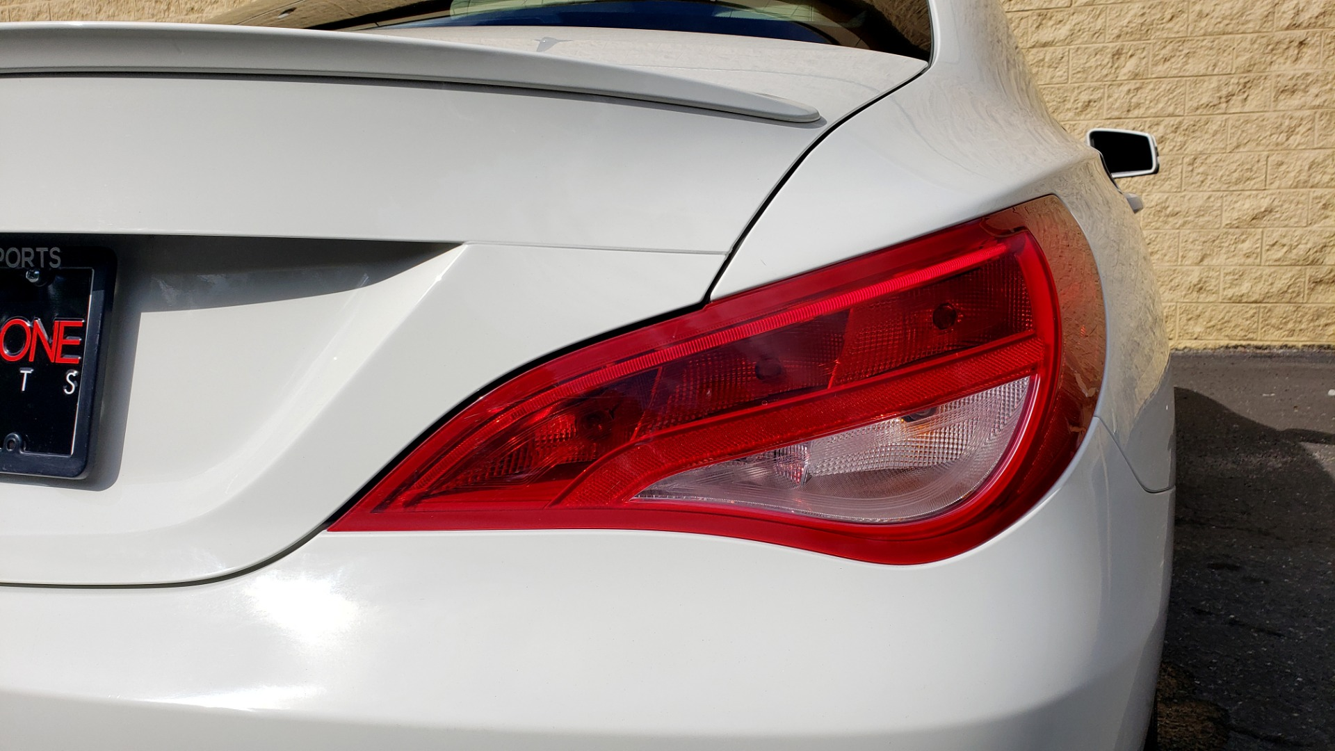 Used 2015 Mercedes-Benz CLA-Class CLA250 / FWD / SUNROOF / SPORT SUSP / CAMERA for sale Sold at Formula One Imports in Charlotte NC 28227 23