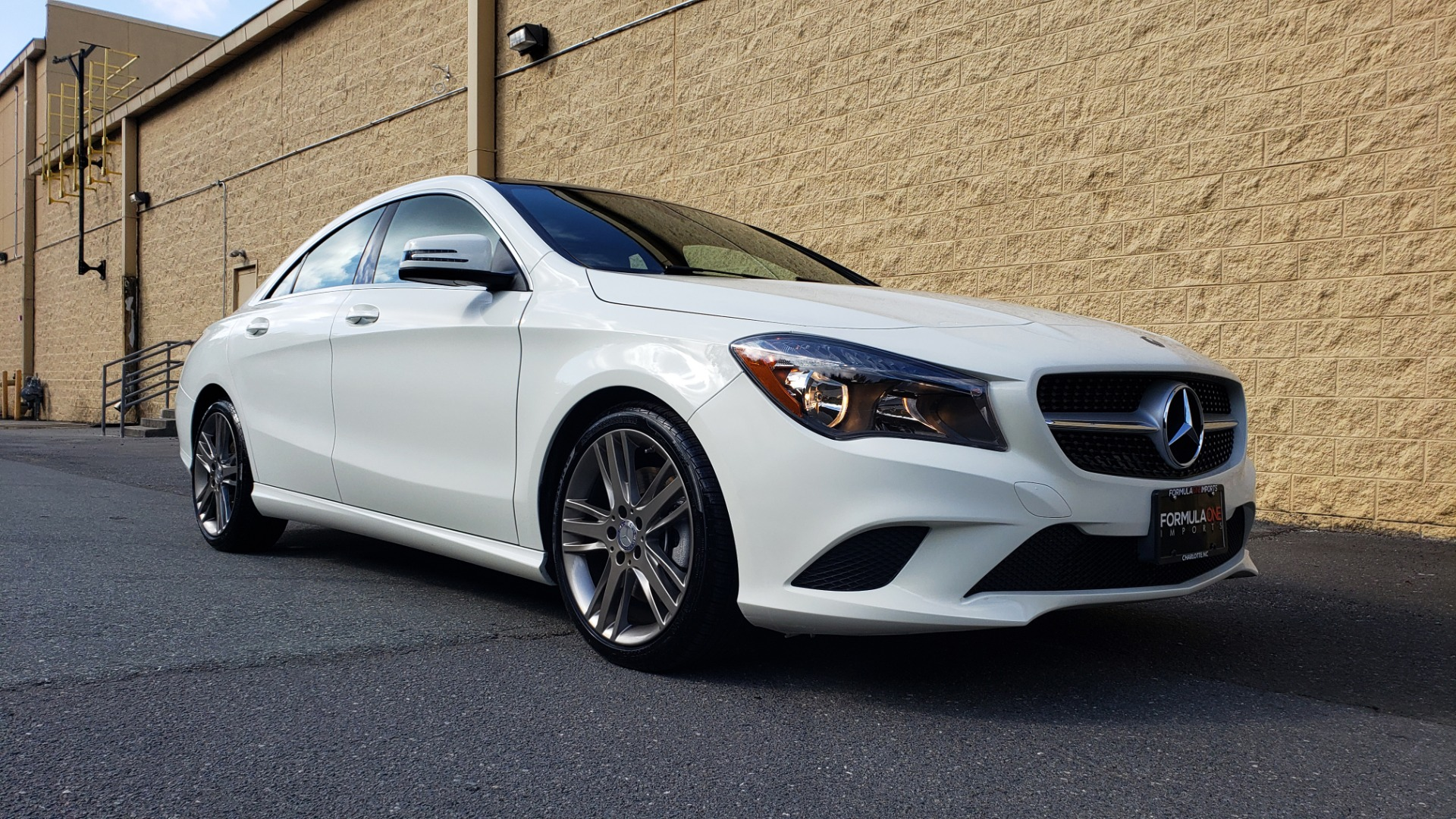 Used 2015 Mercedes-Benz CLA-Class CLA250 / FWD / SUNROOF / SPORT SUSP / CAMERA for sale Sold at Formula One Imports in Charlotte NC 28227 4