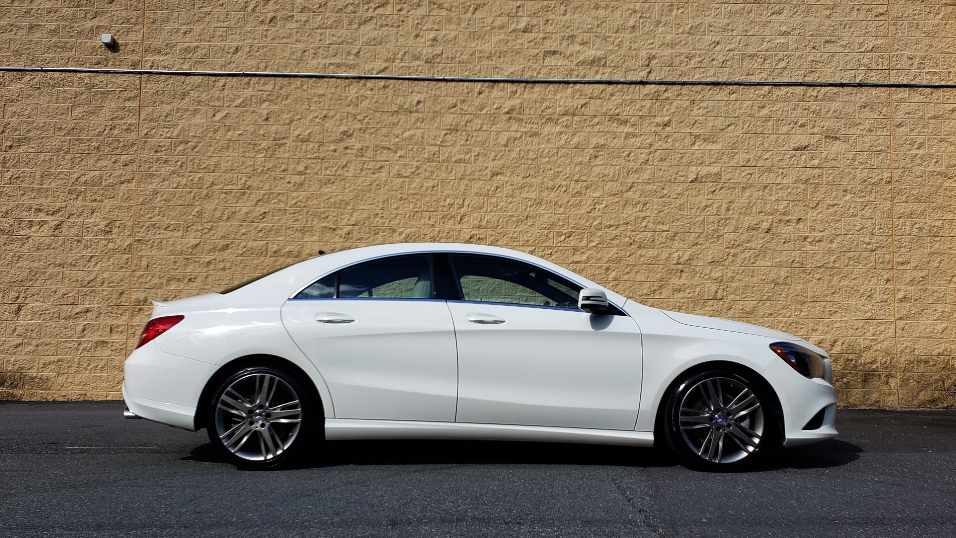 Used 2015 Mercedes-Benz CLA-Class CLA250 / FWD / SUNROOF / SPORT SUSP / CAMERA for sale Sold at Formula One Imports in Charlotte NC 28227 5