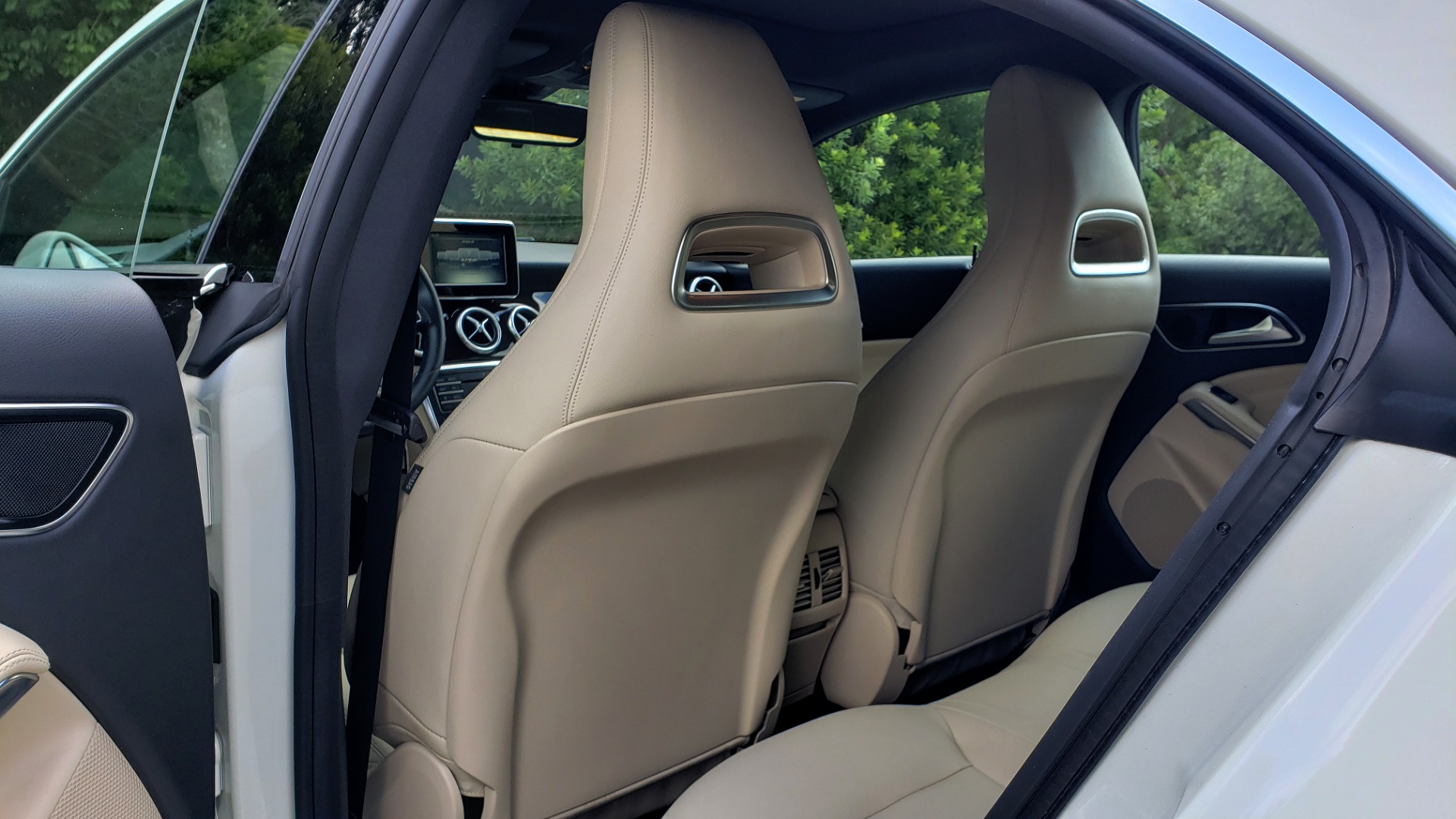 Used 2015 Mercedes-Benz CLA-Class CLA250 / FWD / SUNROOF / SPORT SUSP / CAMERA for sale Sold at Formula One Imports in Charlotte NC 28227 53