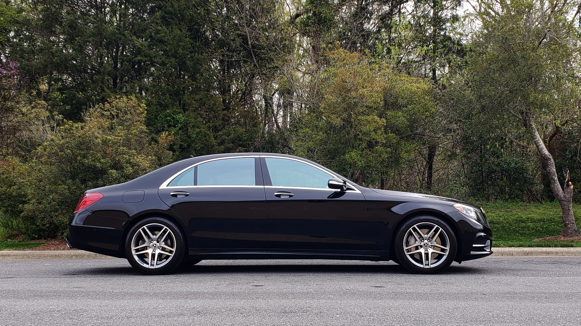 Used 2017 Mercedes-Benz S-CLASS S 550 4MATIC SPORT / PREM PKG / WARMTH & COMFORT / KEYLESS-GO for sale Sold at Formula Imports in Charlotte NC 28227 5