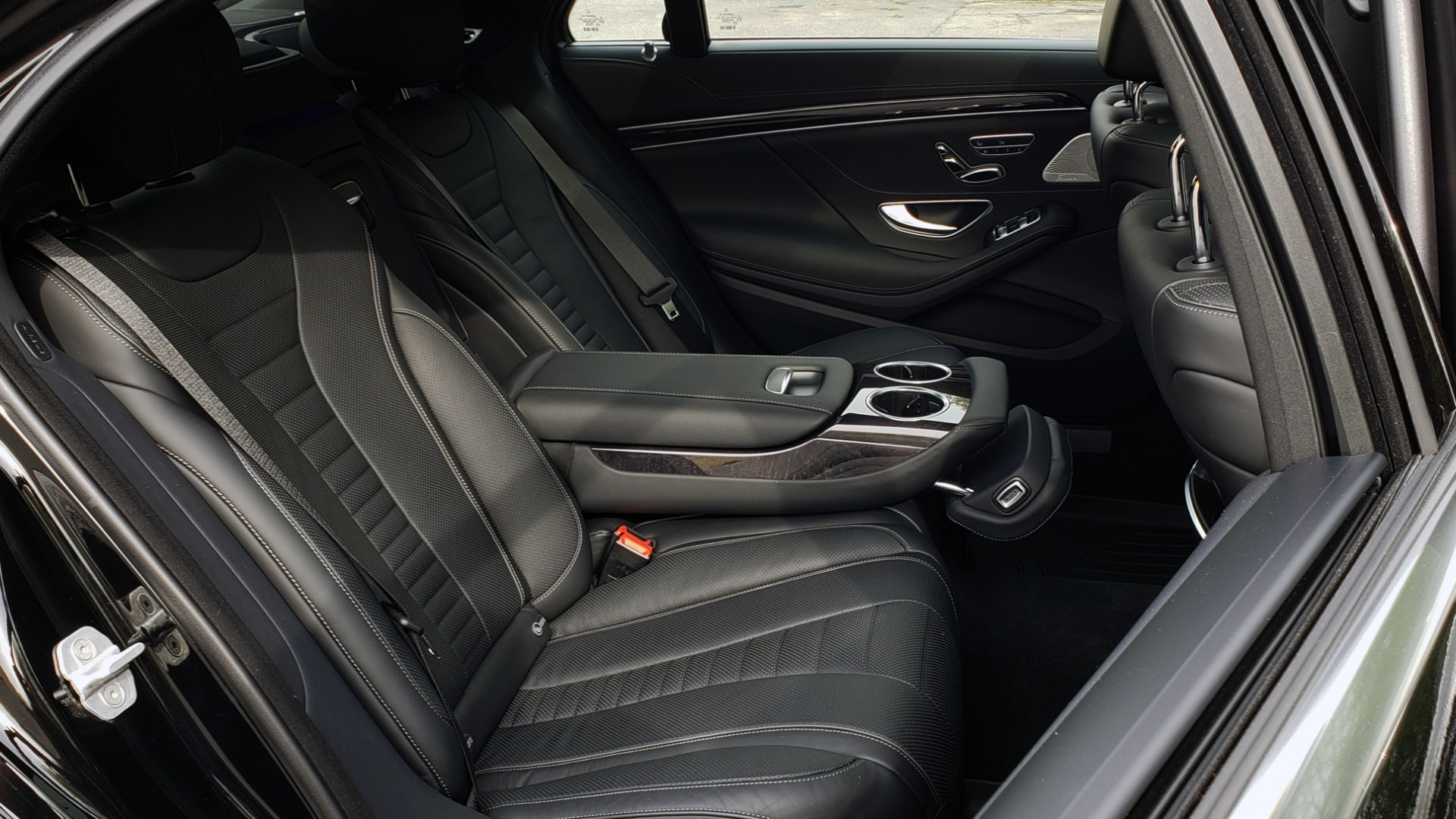 Used 2017 Mercedes-Benz S-CLASS S 550 4MATIC SPORT / PREM PKG / WARMTH & COMFORT / KEYLESS-GO for sale Sold at Formula Imports in Charlotte NC 28227 85