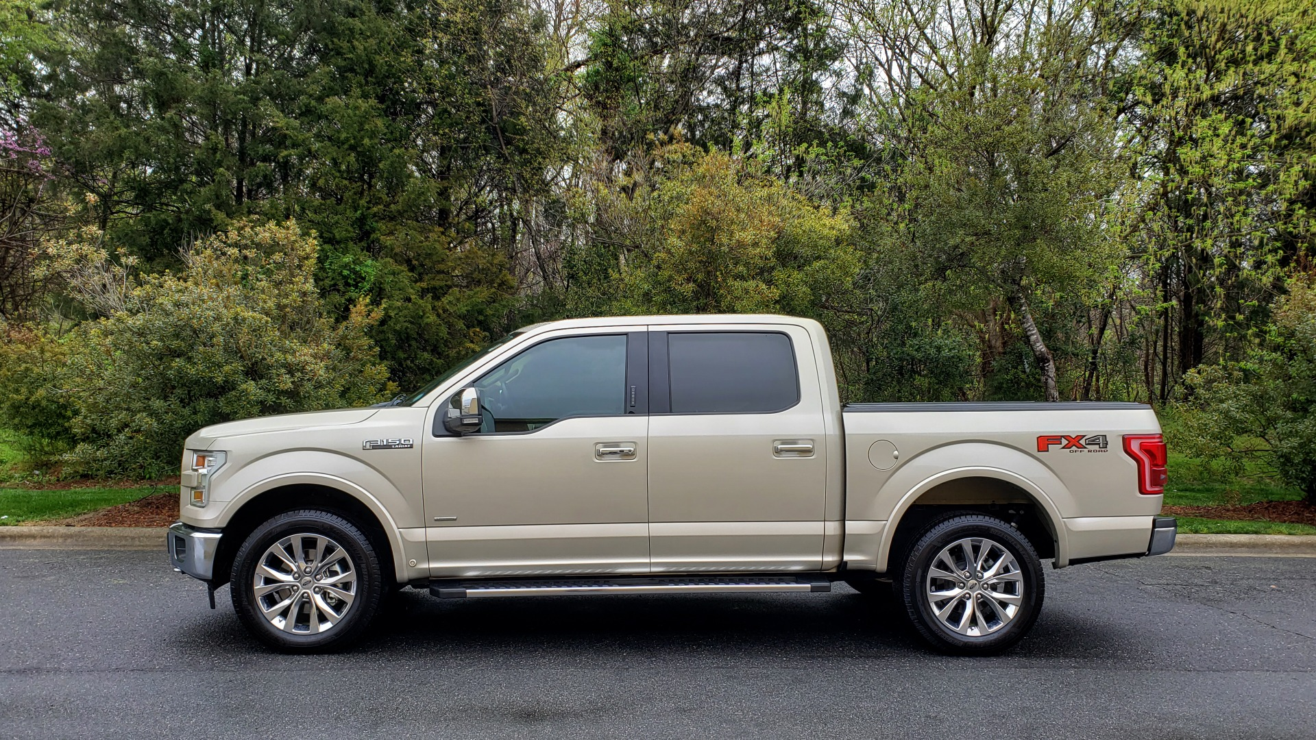 Used 2017 Ford F-150 LARIAT 4X4 SUPERCREW / NAV / ADAPT CRS / PANO-ROOF / BLIS / REARVIEW for sale Sold at Formula Imports in Charlotte NC 28227 2