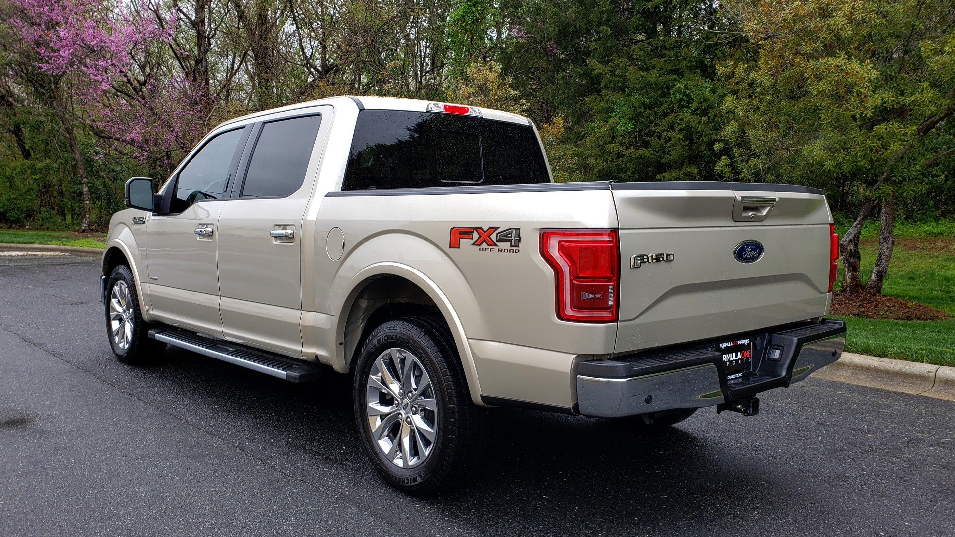 Used 2017 Ford F-150 LARIAT 4X4 SUPERCREW / NAV / ADAPT CRS / PANO-ROOF / BLIS / REARVIEW for sale Sold at Formula Imports in Charlotte NC 28227 3