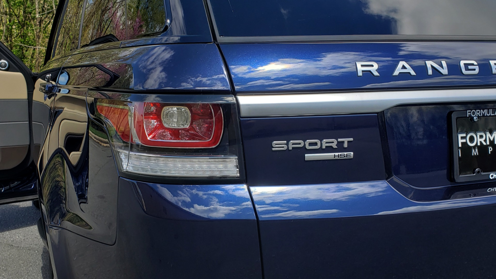 Used 2016 Land Rover RANGE ROVER SPORT SC V6 HSE / 4WD / NAV / PANO-ROOF / REARVIEW / CLIMATE & VISIBILITY for sale Sold at Formula Imports in Charlotte NC 28227 32