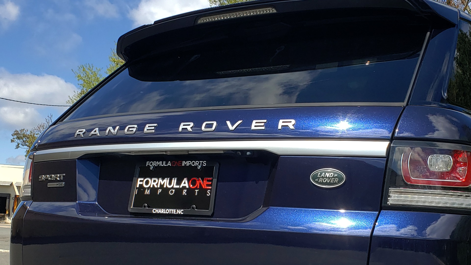 Used 2016 Land Rover RANGE ROVER SPORT SC V6 HSE / 4WD / NAV / PANO-ROOF / REARVIEW / CLIMATE & VISIBILITY for sale Sold at Formula Imports in Charlotte NC 28227 34
