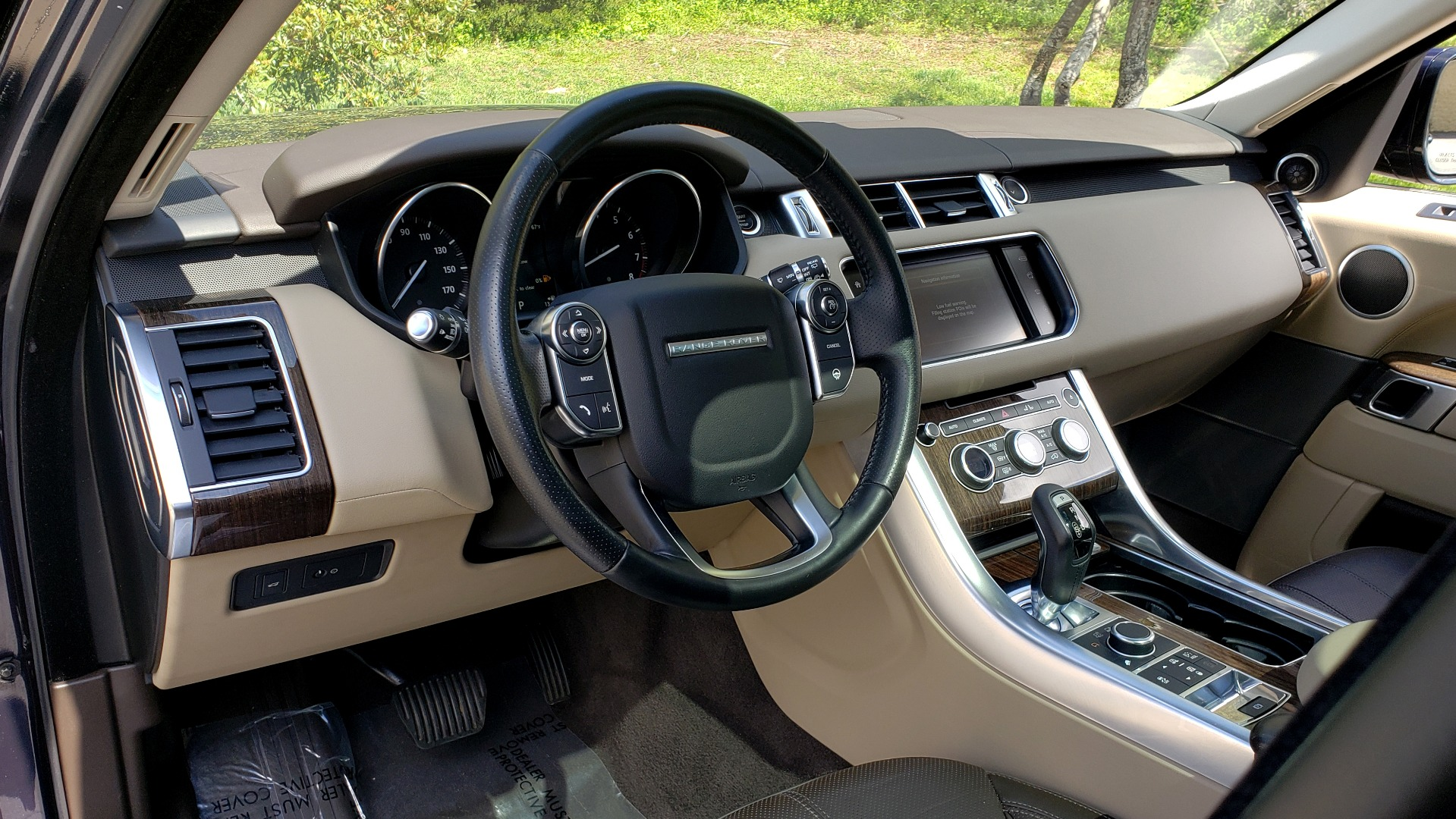 Used 2016 Land Rover RANGE ROVER SPORT SC V6 HSE / 4WD / NAV / PANO-ROOF / REARVIEW / CLIMATE & VISIBILITY for sale Sold at Formula Imports in Charlotte NC 28227 41