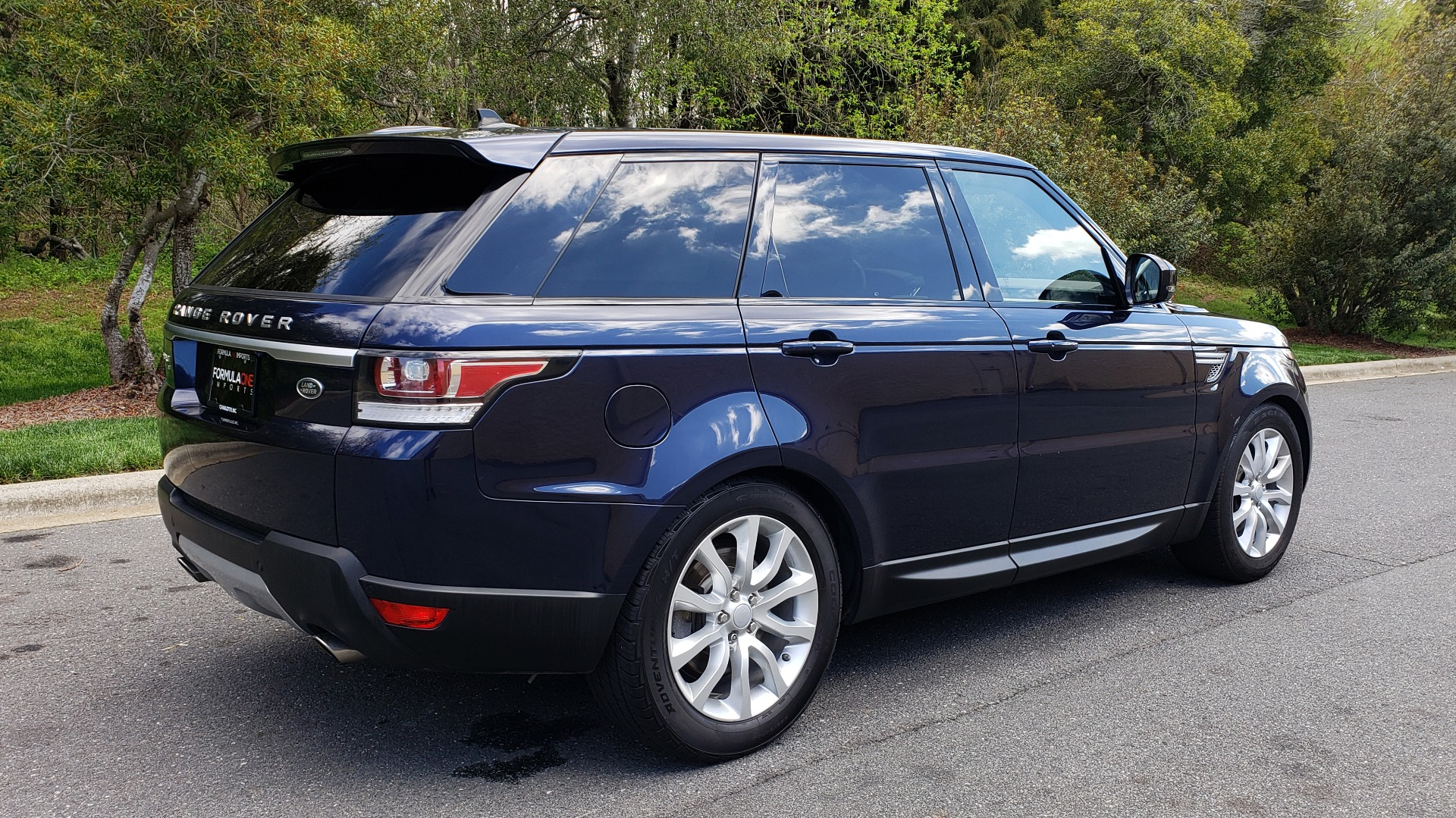 Used 2016 Land Rover RANGE ROVER SPORT SC V6 HSE / 4WD / NAV / PANO-ROOF / REARVIEW / CLIMATE & VISIBILITY for sale Sold at Formula Imports in Charlotte NC 28227 6