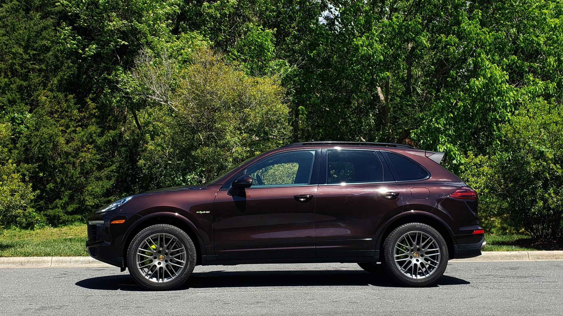 Used 2017 Porsche CAYENNE S E-HYBRID PLATINUM EDITION for sale Sold at Formula Imports in Charlotte NC 28227 2
