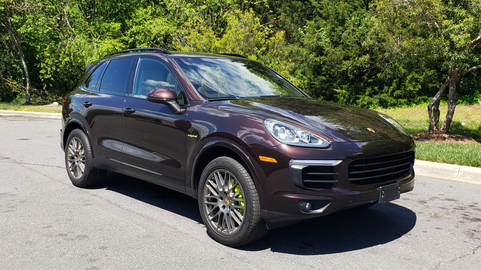 Used 2017 Porsche CAYENNE S E-HYBRID PLATINUM EDITION for sale Sold at Formula Imports in Charlotte NC 28227 4