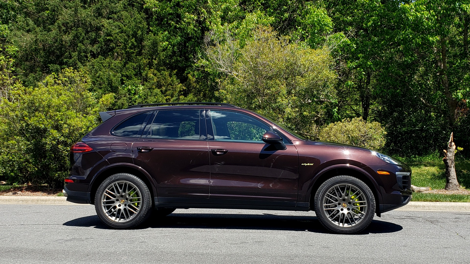 Used 2017 Porsche CAYENNE S E-HYBRID PLATINUM EDITION for sale Sold at Formula Imports in Charlotte NC 28227 5