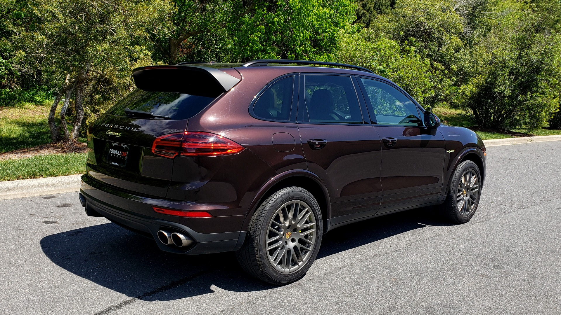 Used 2017 Porsche CAYENNE S E-HYBRID PLATINUM EDITION for sale Sold at Formula Imports in Charlotte NC 28227 6