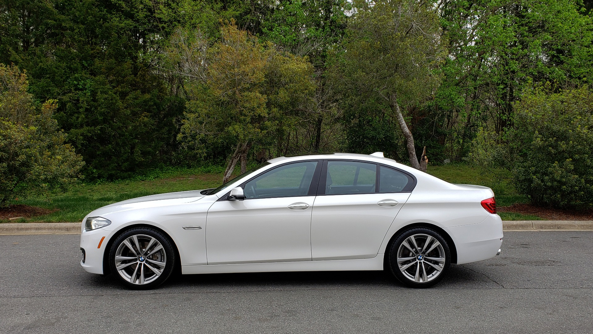 Used 2016 BMW 5 SERIES 528I XDRIVE SPECIAL EDITION / NAV / SUNROOF /HTD STS / REARVIEW for sale Sold at Formula Imports in Charlotte NC 28227 2