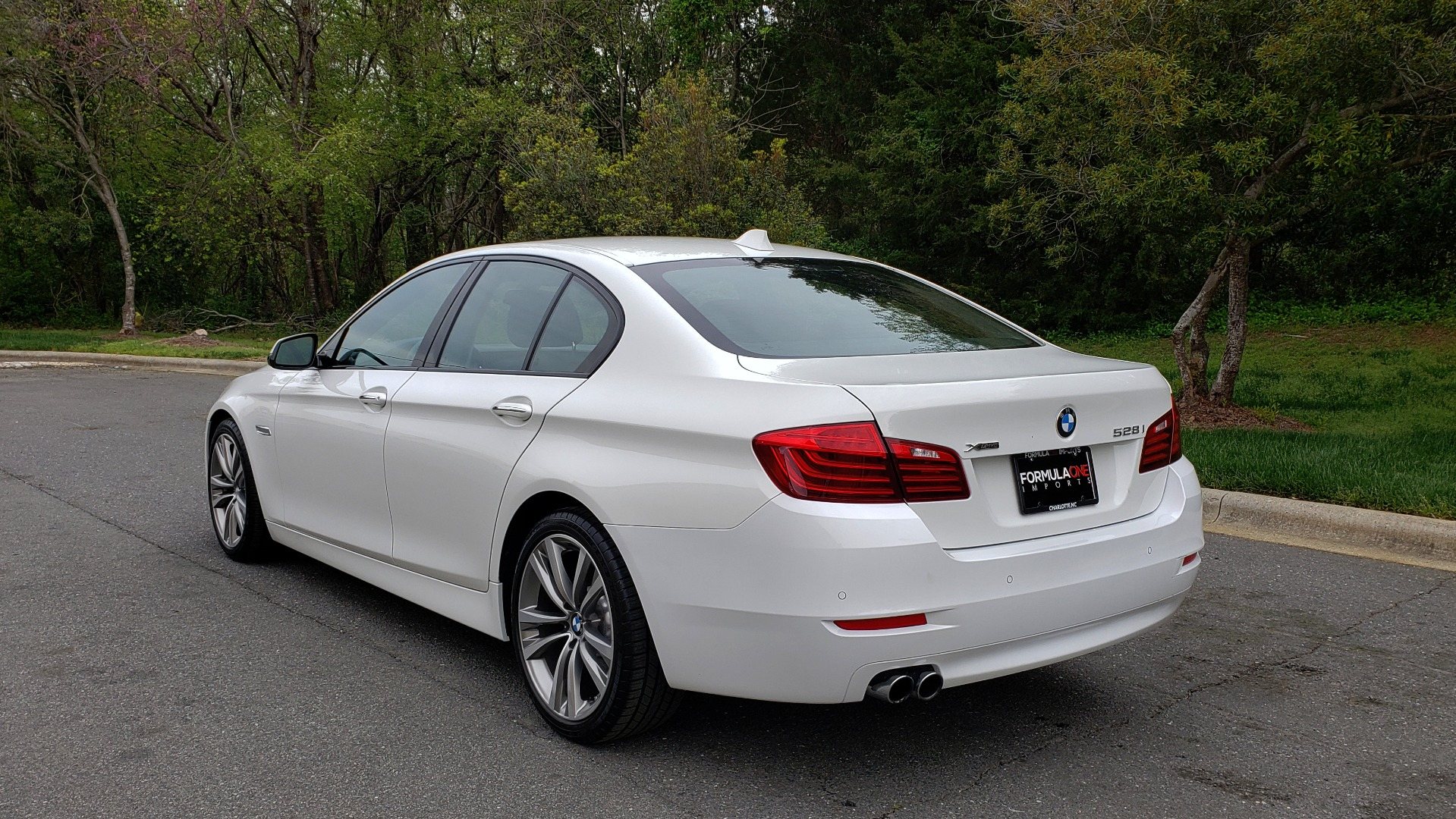 Used 2016 BMW 5 SERIES 528I XDRIVE SPECIAL EDITION / NAV / SUNROOF /HTD STS / REARVIEW for sale Sold at Formula Imports in Charlotte NC 28227 3