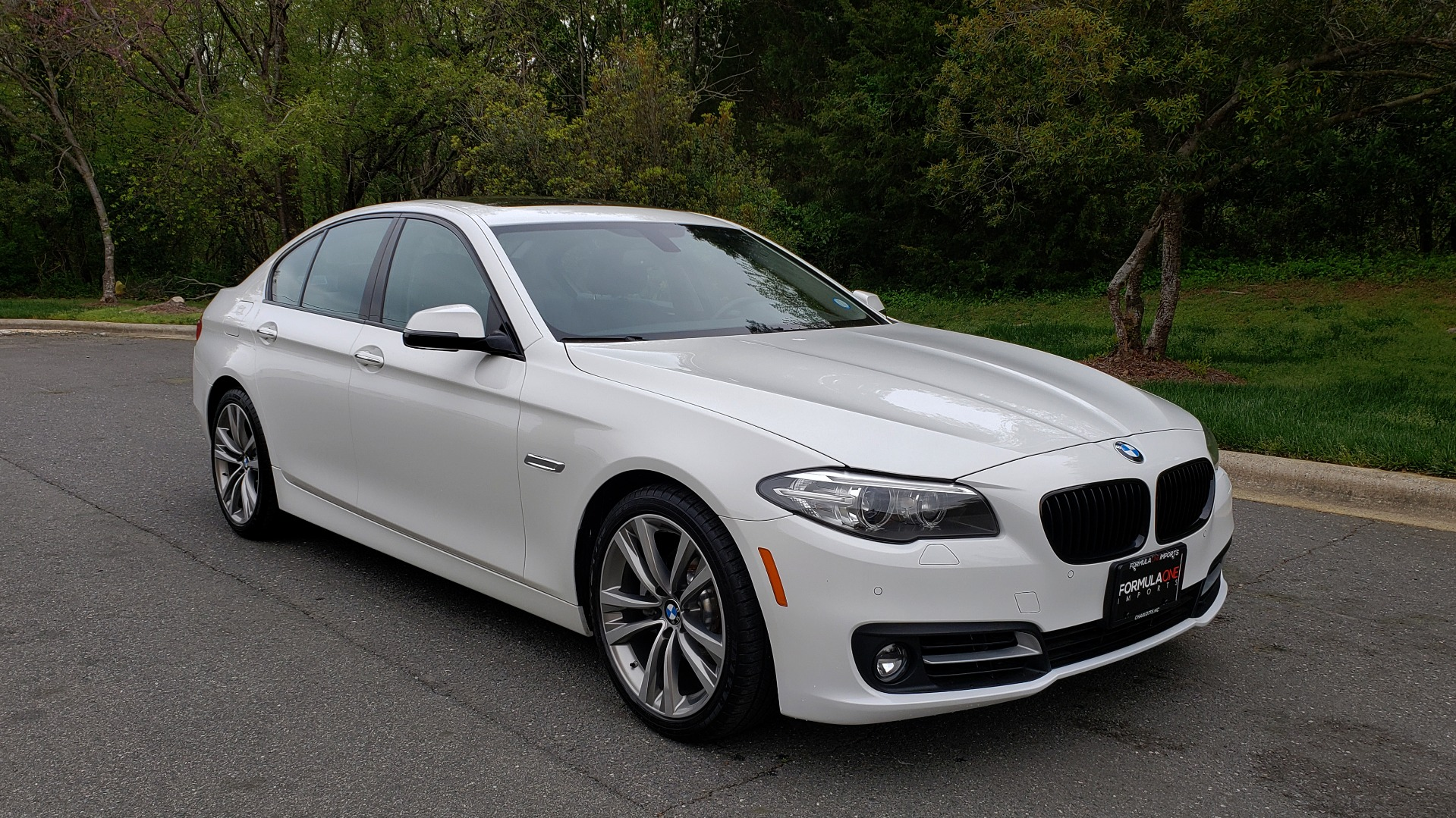 Used 2016 BMW 5 SERIES 528I XDRIVE SPECIAL EDITION / NAV / SUNROOF /HTD STS / REARVIEW for sale Sold at Formula Imports in Charlotte NC 28227 4