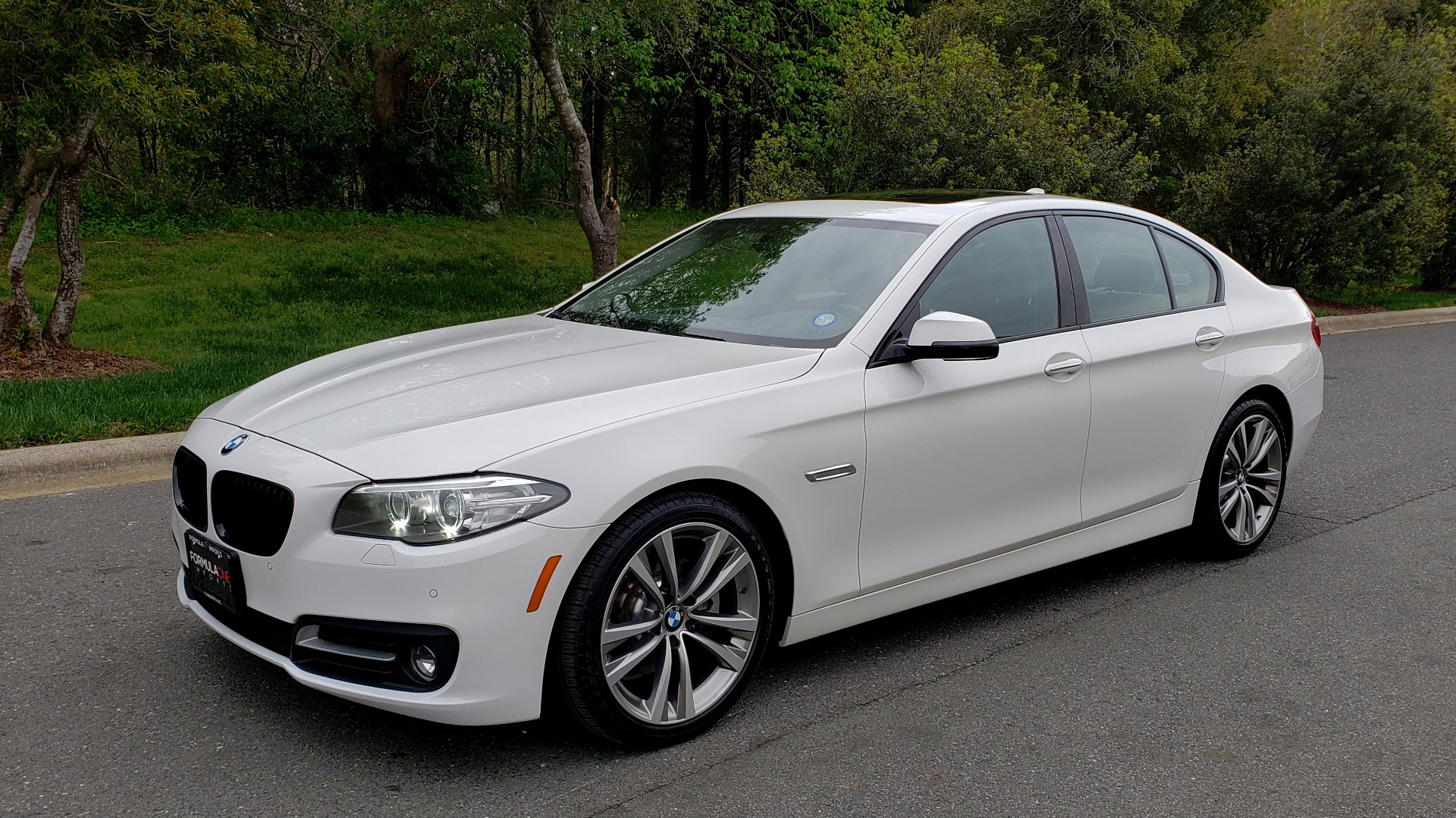 Used 2016 BMW 5 SERIES 528I XDRIVE SPECIAL EDITION / NAV / SUNROOF /HTD STS / REARVIEW for sale Sold at Formula Imports in Charlotte NC 28227 1