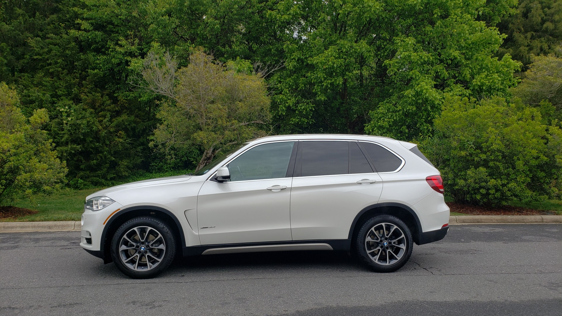 Used 2017 BMW X5 XDRIVE35I PREMIUM / DRVR ASST PLUS / CLD WTHR / REARVIEW for sale Sold at Formula Imports in Charlotte NC 28227 2