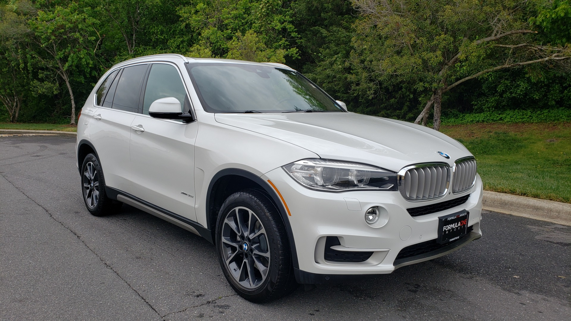 Used 2017 BMW X5 XDRIVE35I PREMIUM / DRVR ASST PLUS / CLD WTHR / REARVIEW for sale Sold at Formula Imports in Charlotte NC 28227 4