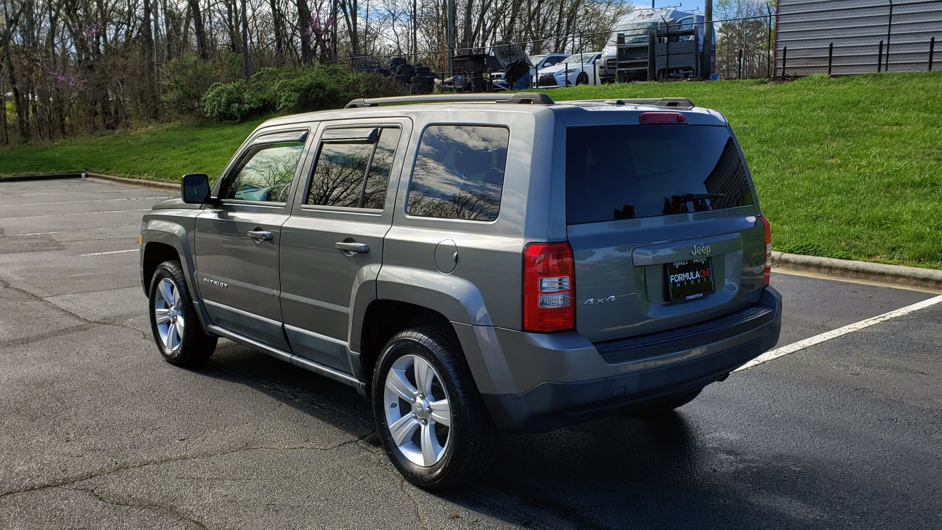 Used 2012 Jeep PATRIOT LATITUDE 4WD / SUNROOF / BOSTON ACOUSTICS SOUND for sale Sold at Formula Imports in Charlotte NC 28227 3