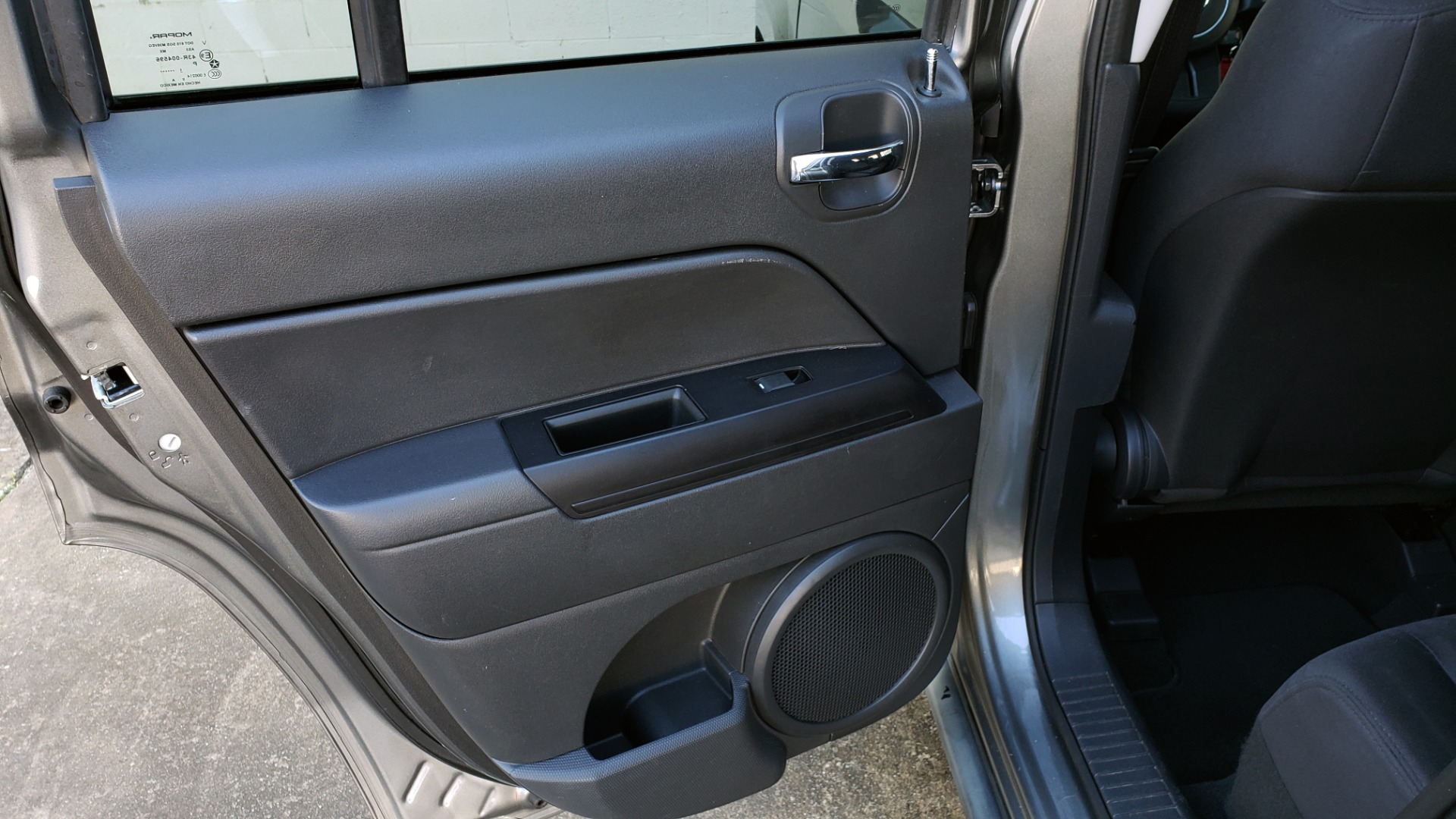 Used 2012 Jeep PATRIOT LATITUDE 4WD / SUNROOF / BOSTON ACOUSTICS SOUND for sale Sold at Formula Imports in Charlotte NC 28227 46