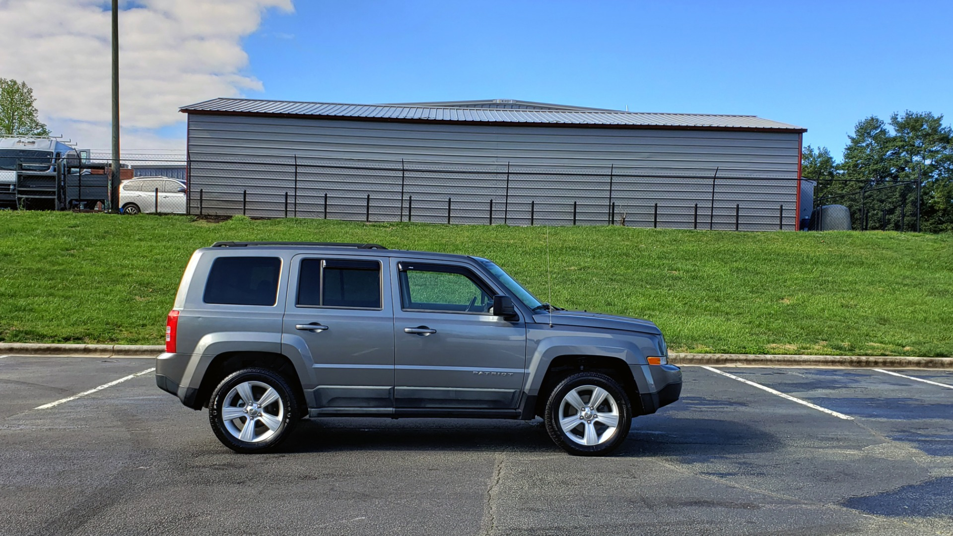 Used 2012 Jeep PATRIOT LATITUDE 4WD / SUNROOF / BOSTON ACOUSTICS SOUND for sale Sold at Formula Imports in Charlotte NC 28227 5