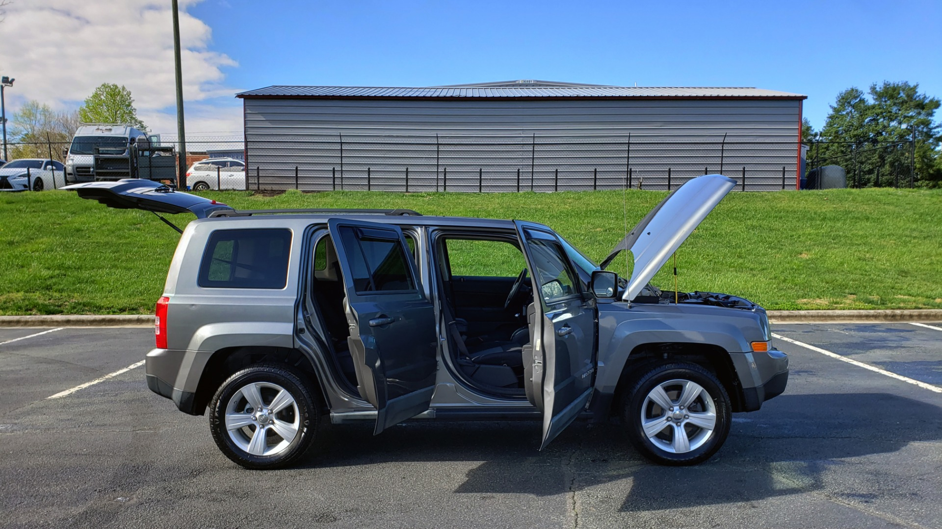 Used 2012 Jeep PATRIOT LATITUDE 4WD / SUNROOF / BOSTON ACOUSTICS SOUND for sale Sold at Formula Imports in Charlotte NC 28227 9