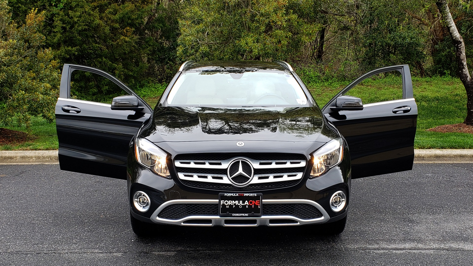 Used 2018 Mercedes-Benz GLA 250 4MATIC / PREMIUM / CONV PKG / NAV / PANO-ROOF for sale Sold at Formula Imports in Charlotte NC 28227 21