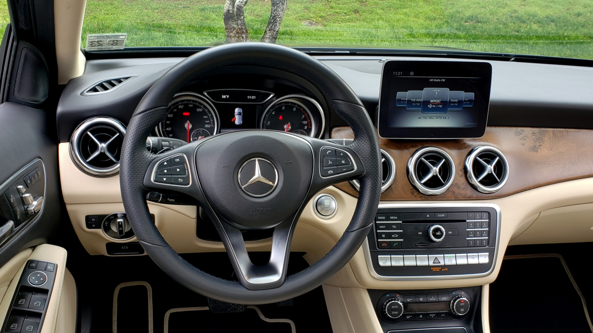 Used 2018 Mercedes-Benz GLA 250 4MATIC / PREMIUM / CONV PKG / NAV / PANO-ROOF for sale Sold at Formula Imports in Charlotte NC 28227 38