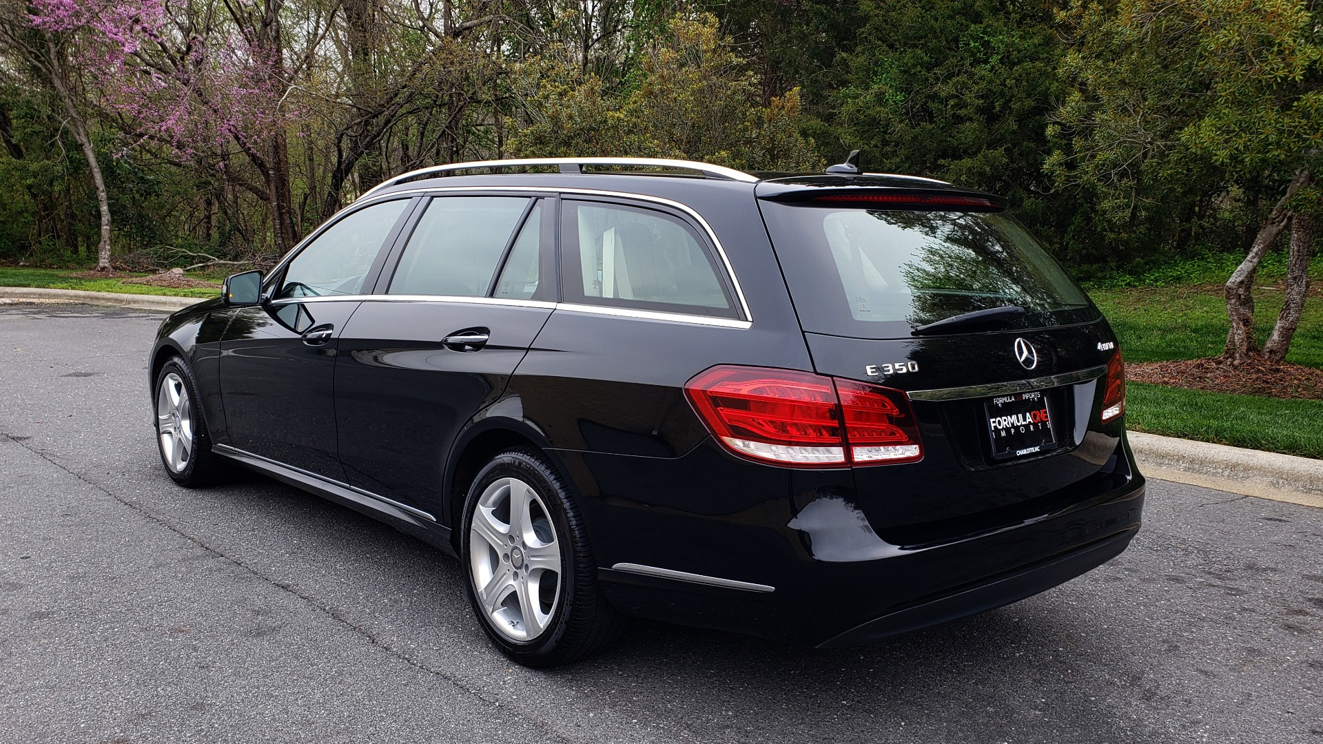 Used 2014 Mercedes-Benz E-Class E 350 4MATIC PREMIUM / NAV / SUNROOF / REARVIEW / 3-ROW for sale Sold at Formula Imports in Charlotte NC 28227 3