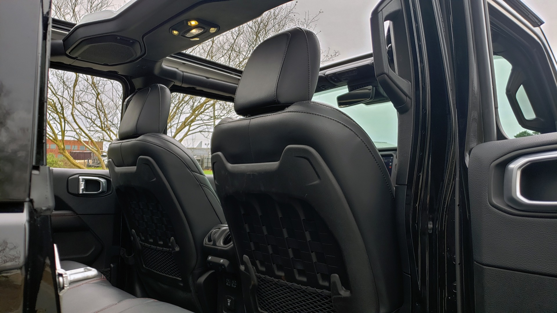 Used 2019 Jeep WRANGLER UNLIMITED RUBICON 4WD / V6 / 8-SPD AUTO / NAV / PWR TOP / REARVIEW for sale Sold at Formula Imports in Charlotte NC 28227 100