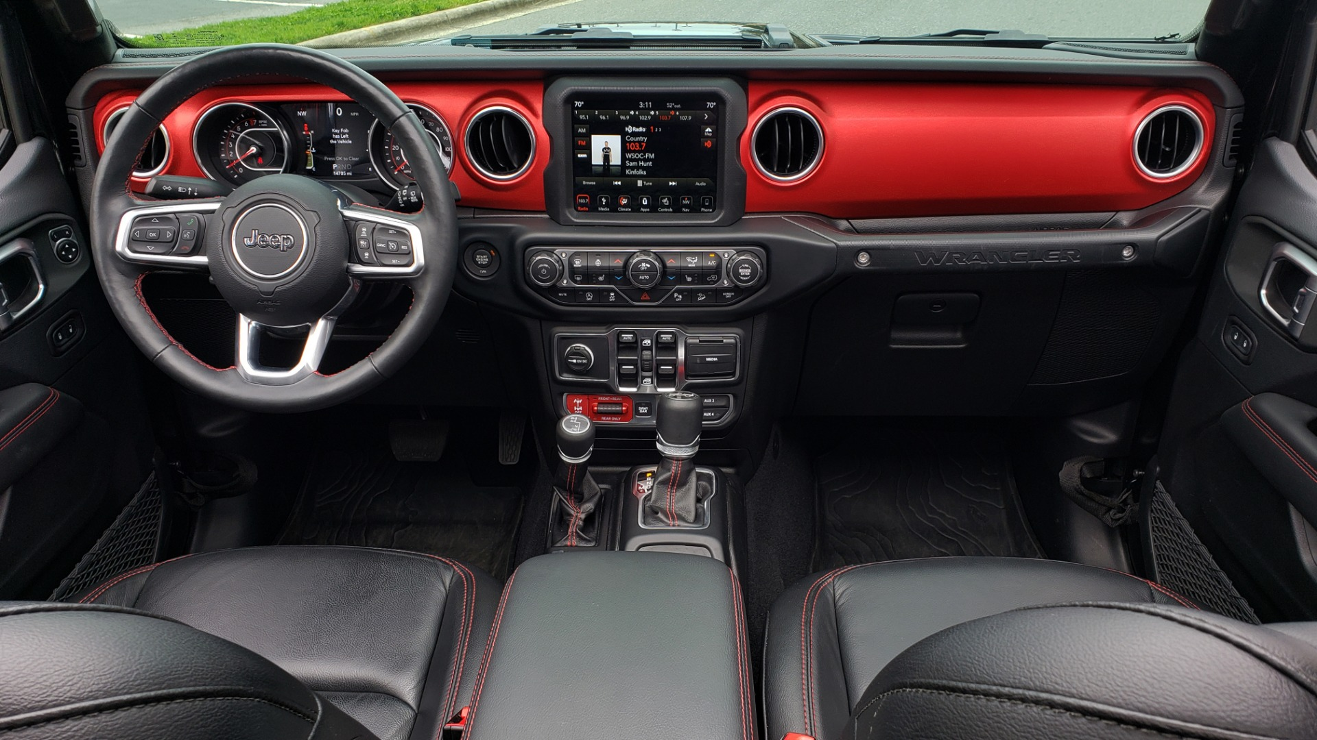 Used 2019 Jeep WRANGLER UNLIMITED RUBICON 4WD / V6 / 8-SPD AUTO / NAV / PWR TOP / REARVIEW for sale Sold at Formula Imports in Charlotte NC 28227 105