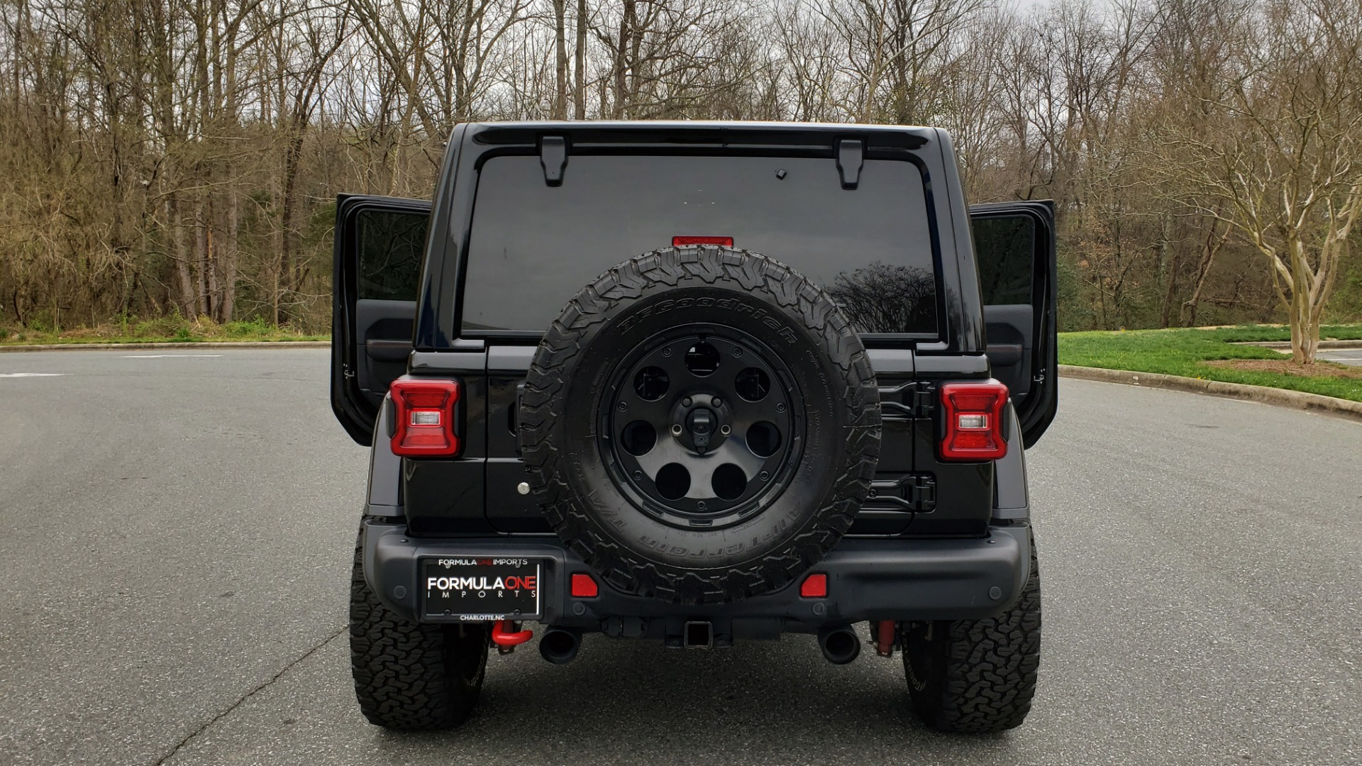 Used 2019 Jeep WRANGLER UNLIMITED RUBICON 4WD / V6 / 8-SPD AUTO / NAV / PWR TOP / REARVIEW for sale Sold at Formula Imports in Charlotte NC 28227 34