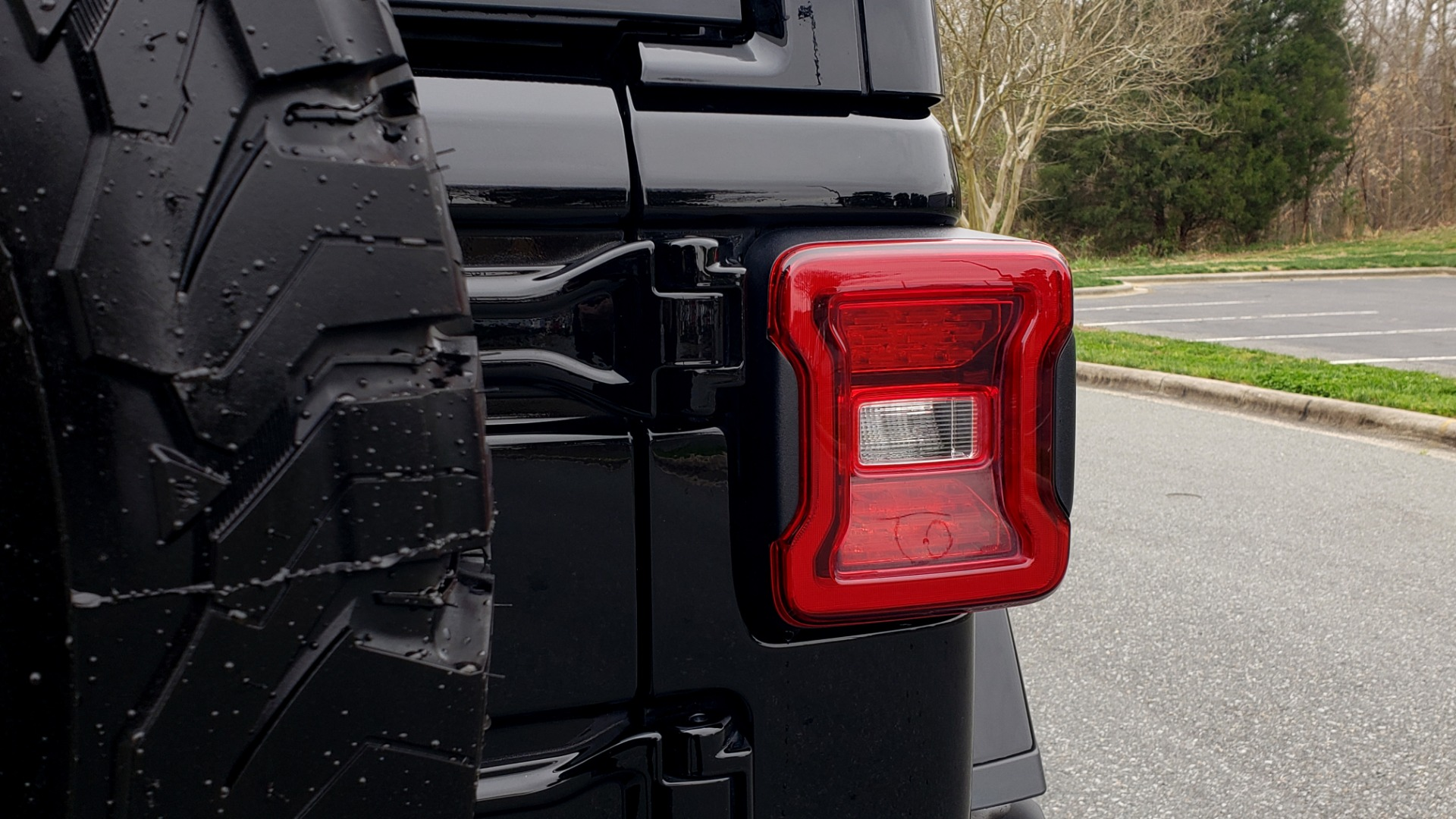 Used 2019 Jeep WRANGLER UNLIMITED RUBICON 4WD / V6 / 8-SPD AUTO / NAV / PWR TOP / REARVIEW for sale Sold at Formula Imports in Charlotte NC 28227 38