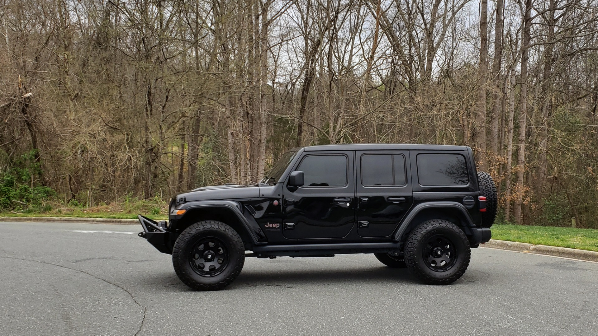 Used 2019 Jeep WRANGLER UNLIMITED RUBICON 4WD / V6 / 8-SPD AUTO / NAV / PWR TOP / REARVIEW for sale Sold at Formula Imports in Charlotte NC 28227 4