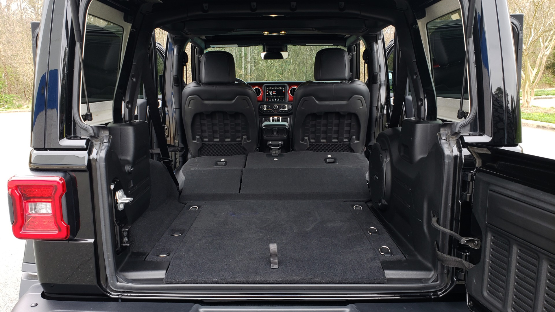 Used 2019 Jeep WRANGLER UNLIMITED RUBICON 4WD / V6 / 8-SPD AUTO / NAV / PWR TOP / REARVIEW for sale Sold at Formula Imports in Charlotte NC 28227 48