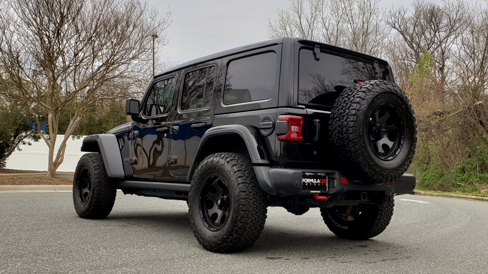 Used 2019 Jeep WRANGLER UNLIMITED RUBICON 4WD / V6 / 8-SPD AUTO / NAV / PWR TOP / REARVIEW for sale Sold at Formula Imports in Charlotte NC 28227 5