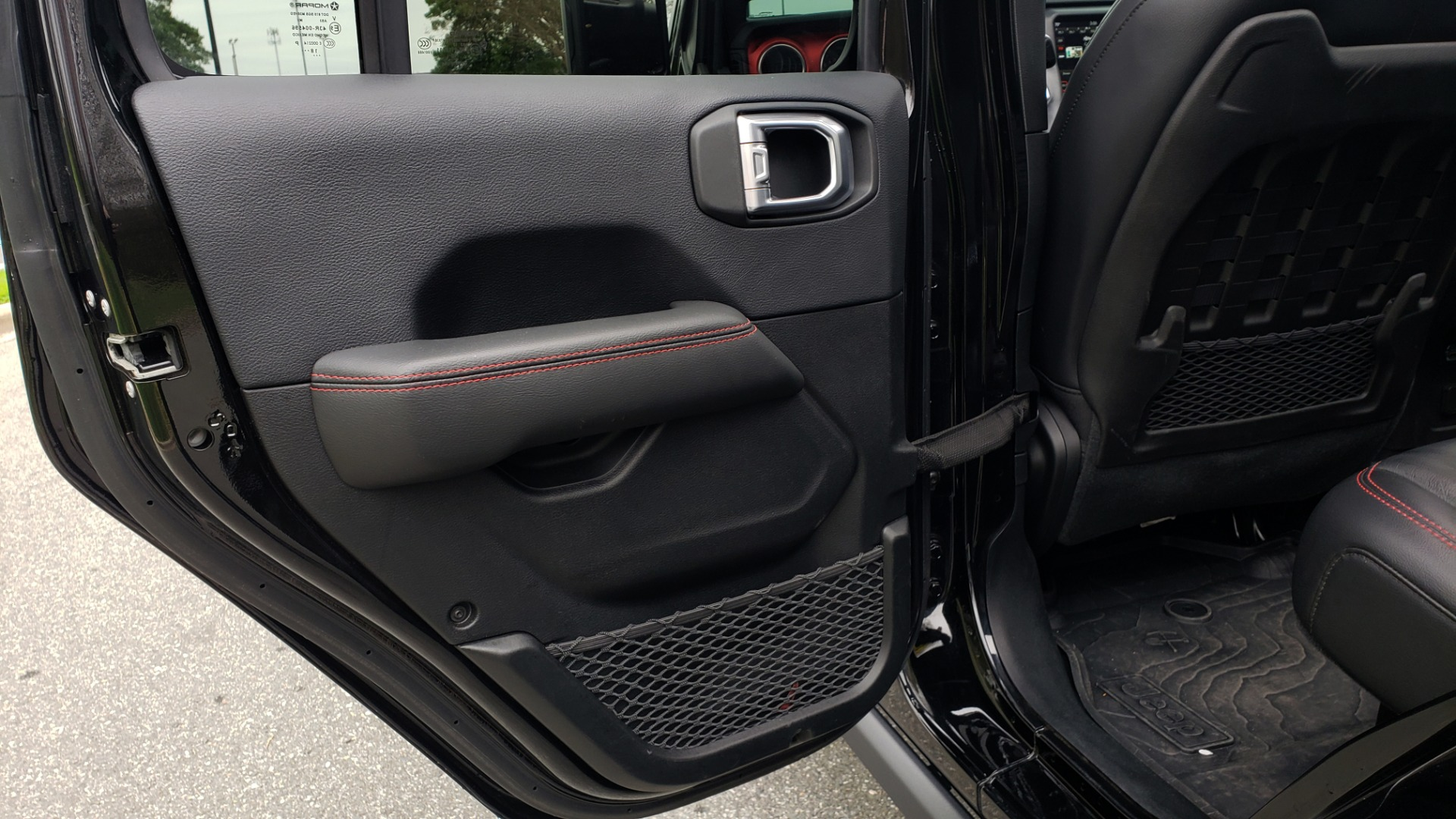 Used 2019 Jeep WRANGLER UNLIMITED RUBICON 4WD / V6 / 8-SPD AUTO / NAV / PWR TOP / REARVIEW for sale Sold at Formula Imports in Charlotte NC 28227 82