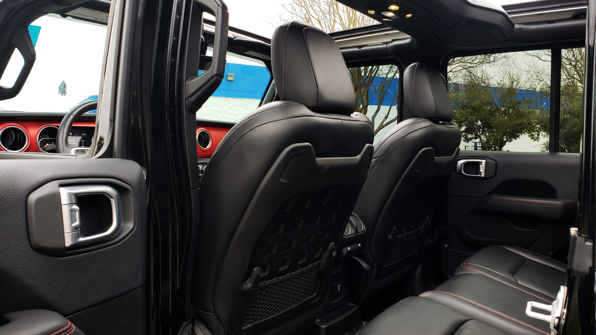 Used 2019 Jeep WRANGLER UNLIMITED RUBICON 4WD / V6 / 8-SPD AUTO / NAV / PWR TOP / REARVIEW for sale Sold at Formula Imports in Charlotte NC 28227 86