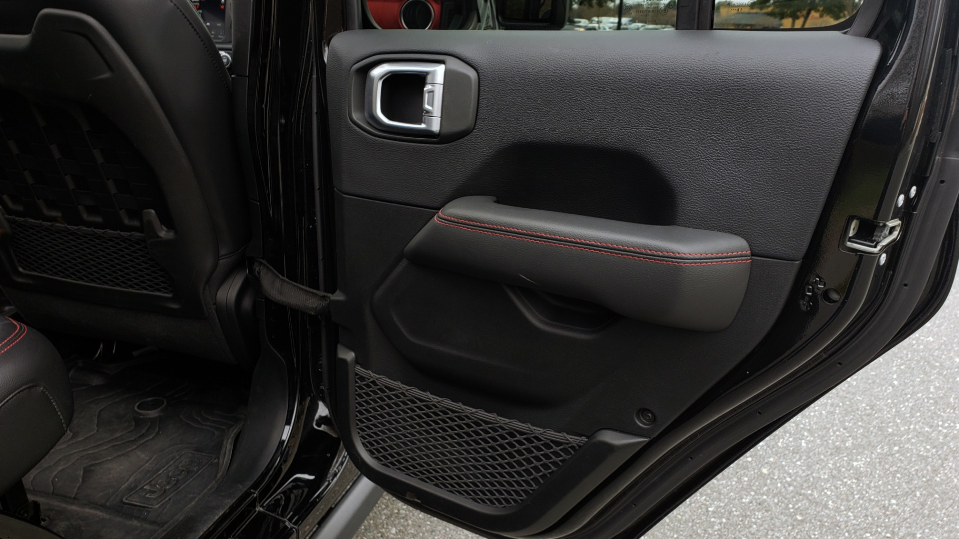 Used 2019 Jeep WRANGLER UNLIMITED RUBICON 4WD / V6 / 8-SPD AUTO / NAV / PWR TOP / REARVIEW for sale Sold at Formula Imports in Charlotte NC 28227 96