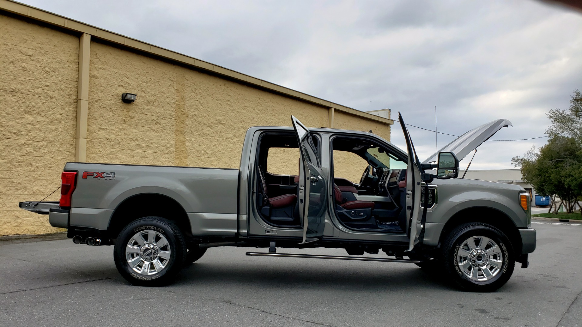 Used 2019 Ford SUPER DUTY F-250 SRW PLATINUM ULTIMATE / NAV / PANO-ROOF / REARVIEW for sale Sold at Formula Imports in Charlotte NC 28227 12