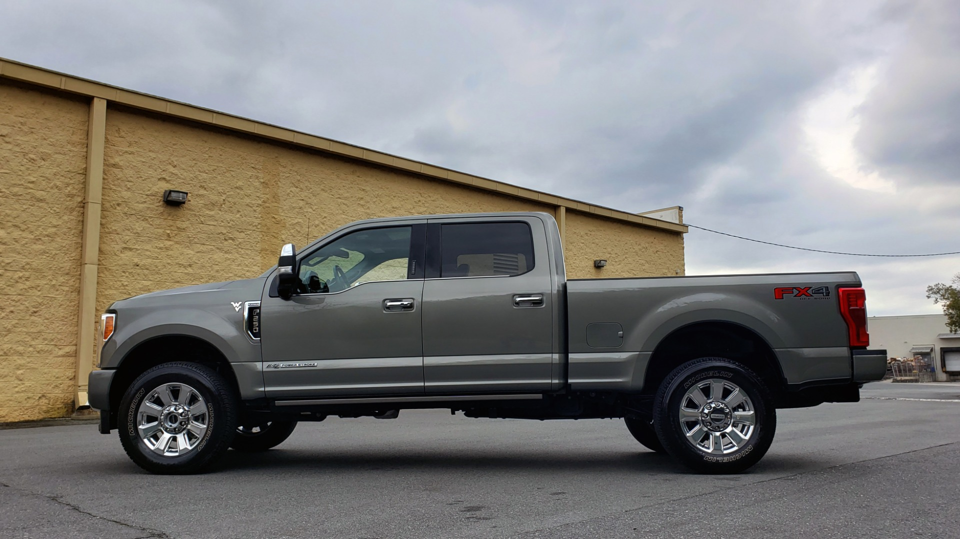 Used 2019 Ford SUPER DUTY F-250 SRW PLATINUM ULTIMATE / NAV / PANO-ROOF / REARVIEW for sale Sold at Formula Imports in Charlotte NC 28227 2