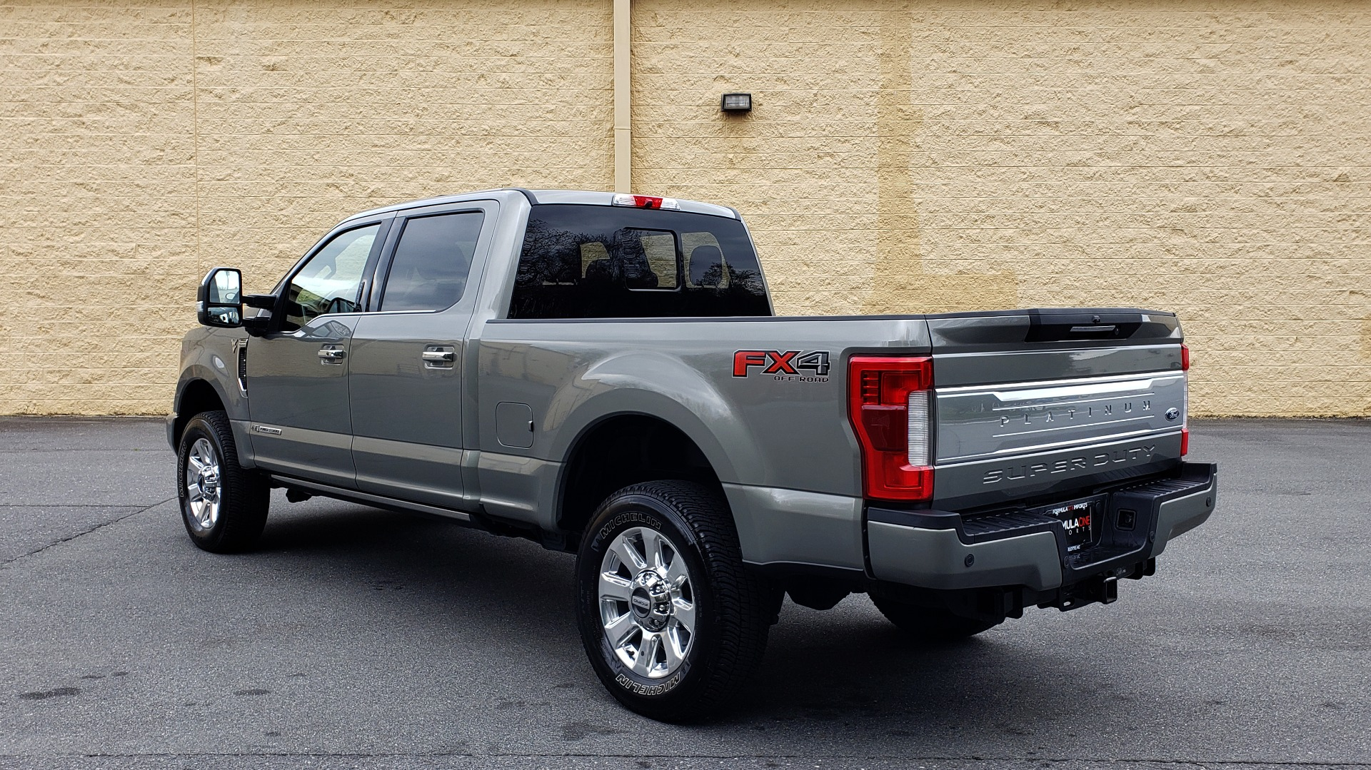 Used 2019 Ford SUPER DUTY F-250 SRW PLATINUM ULTIMATE / NAV / PANO-ROOF / REARVIEW for sale Sold at Formula Imports in Charlotte NC 28227 3