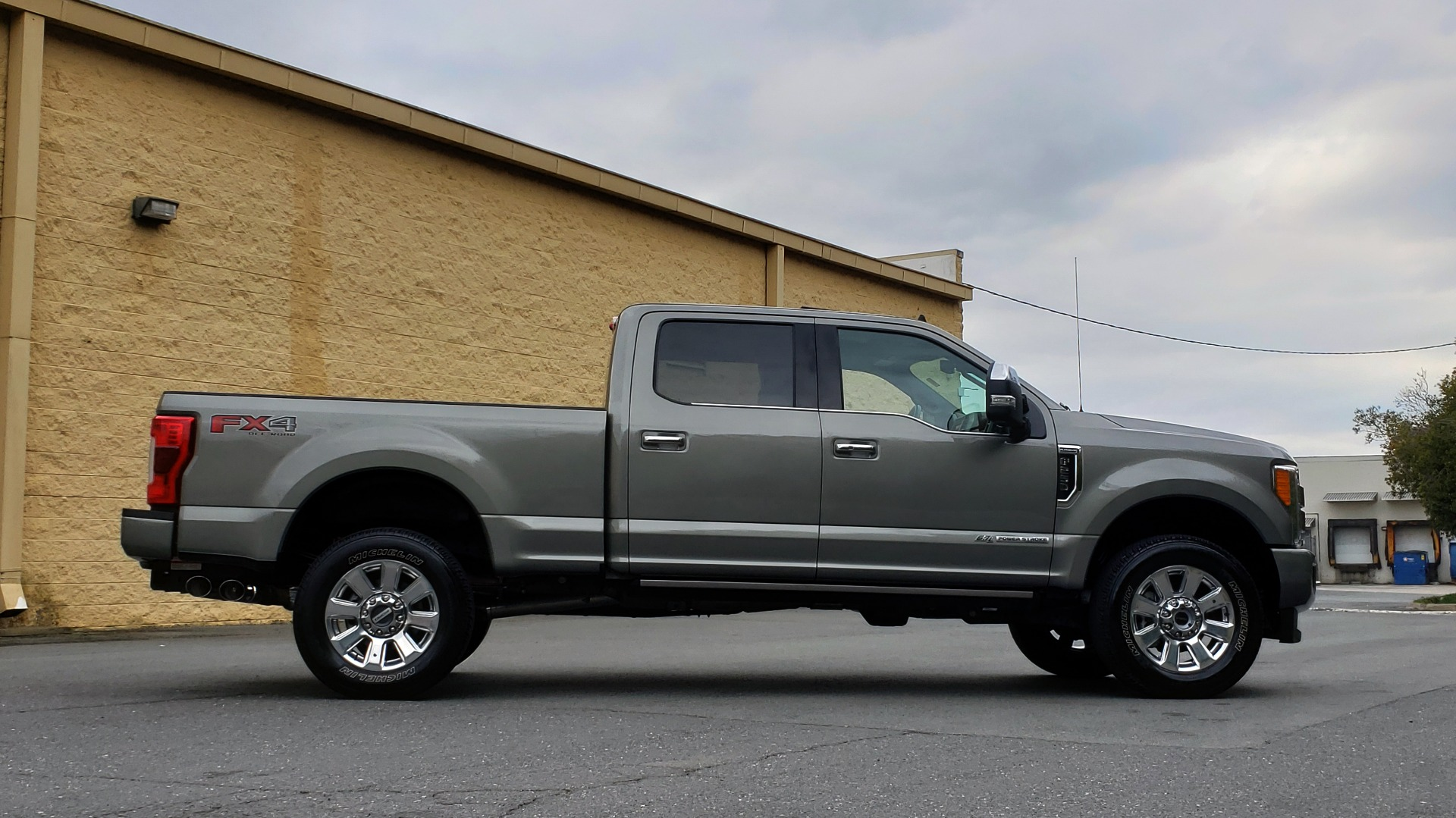 Used 2019 Ford SUPER DUTY F-250 SRW PLATINUM ULTIMATE / NAV / PANO-ROOF / REARVIEW for sale Sold at Formula Imports in Charlotte NC 28227 5