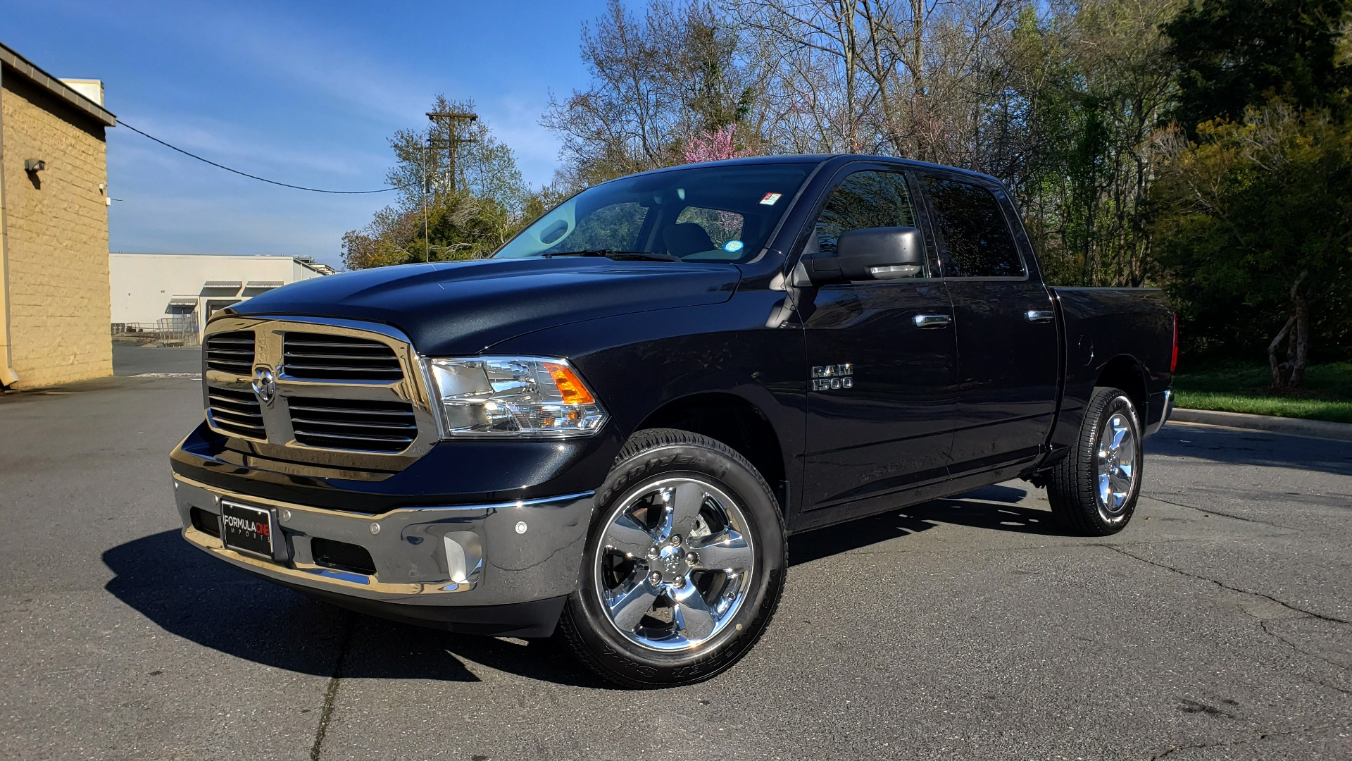 Used 2017 Ram 1500 BIG HORN CREW CAB 4X4 / 3.6L V6 / 8-SPD AUTO / WIFI HOTSPOT for sale Sold at Formula Imports in Charlotte NC 28227 1