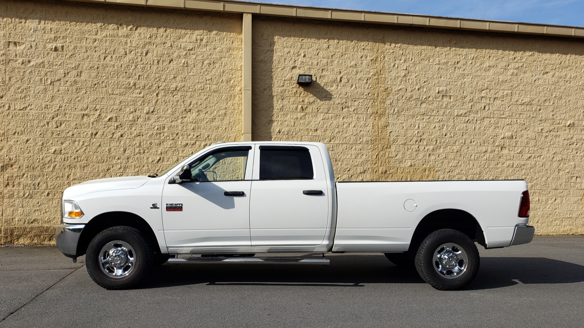 Used 2011 Ram 2500 4WD CREW CAB 169 ST / 6.7L CUMMINS / 6-SPD AUTO for sale Sold at Formula Imports in Charlotte NC 28227 2