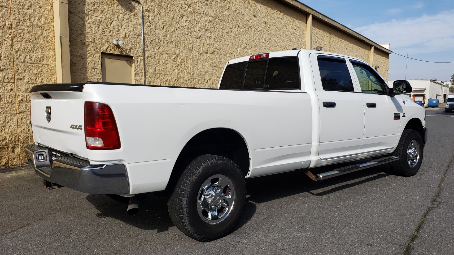 Used 2011 Ram 2500 4WD CREW CAB 169 ST / 6.7L CUMMINS / 6-SPD AUTO for sale Sold at Formula Imports in Charlotte NC 28227 6