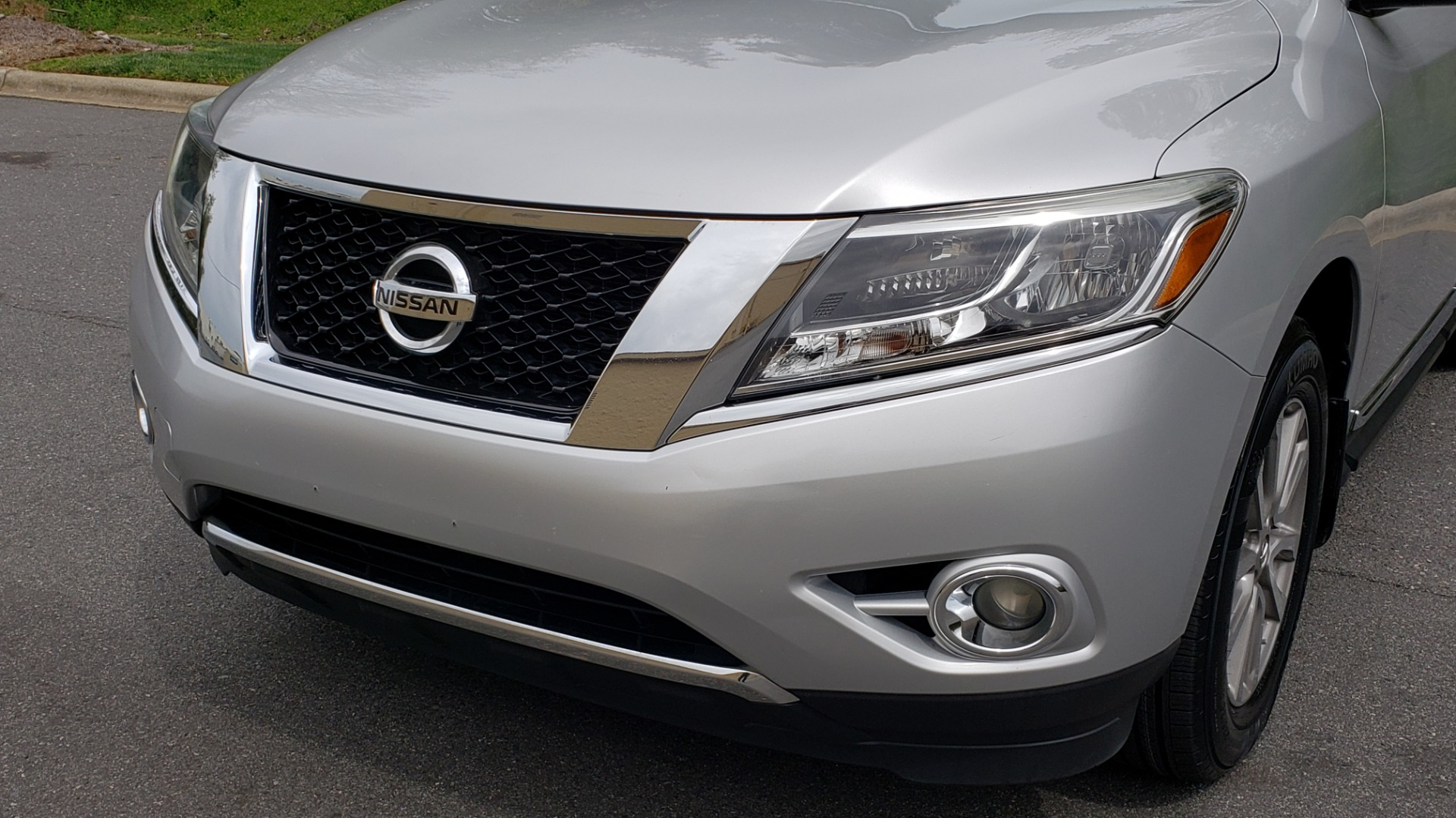 Used 2014 Nissan PATHFINDER SL TECH PKG / 4WD / NAV / SUNROOF / REARVIEW / 3-ROW for sale Sold at Formula Imports in Charlotte NC 28227 26